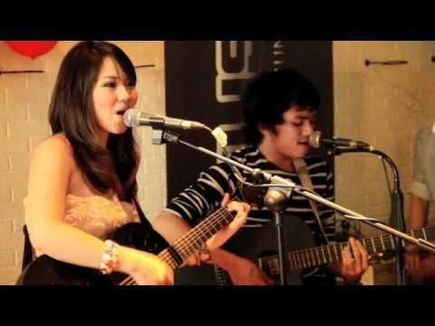 Calvin Jeremy Feat. Sabrina Orial - Just The Way You Are (at Kaskus Event)