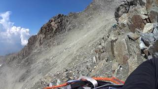 Grand Couloir ( Mont Blanc ) Rock falling 11/08/2015
