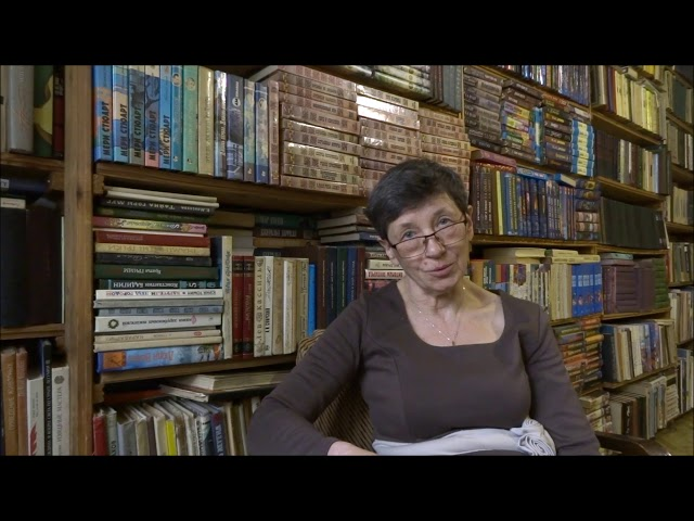 Изображение предпросмотра прочтения – МаринаДемчук читает произведение «Выбранные места из переписки» Н.В.Гоголя