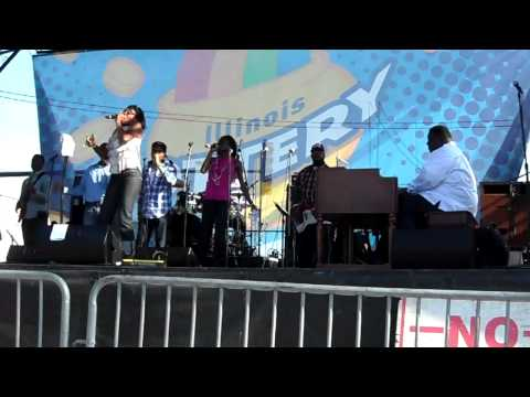 Mildred Williams At The Taste Of Chicago Singing I Made It
