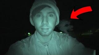 Cazando PAYASOS en el Cementerio (TERMINA MAL)  HotSpanish Vlogs