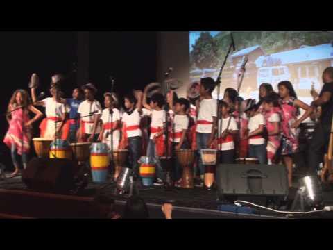Madagascar en Mozika medley Diavolana Raivo a azonay mandihiza rahitsikitsika