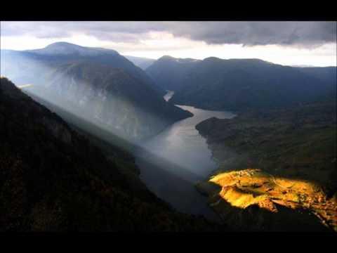 Selo Gori A Baba Se Ceslja-Instrumental