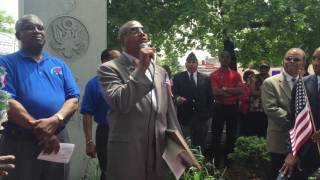 Senator James Sanders Jr. delivers remarks at Rosedale Memorial Day Parade