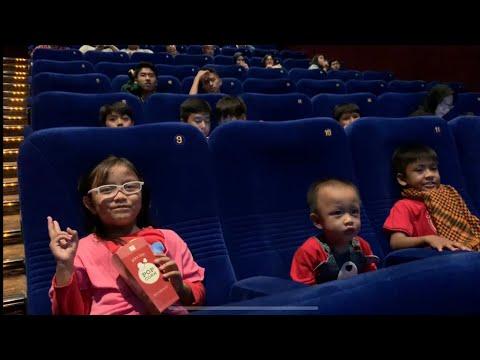 Pengalaman Pertama Pixel Nonton Di Bioskop | Menonton Film Spiderman Into The Spider-Verse