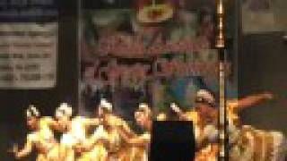 KAGW Onam 2008 - Suprabhatham Remix - Mohiniyattam - Indian classical dance