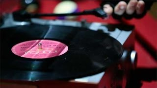 "Baixar Samantha Gibb ""Memories"" (Official Music Video) Original Song"