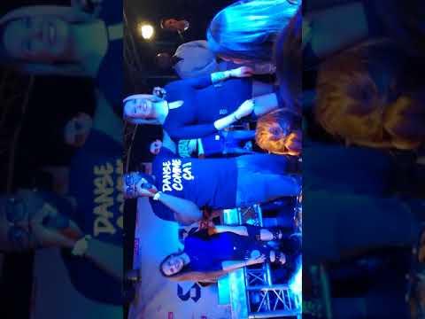 Dylan sur scène avec Makassy au secret club