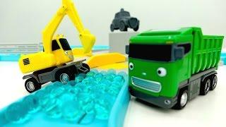 видео: Машины -Помощники - Мультик с игрушками - Сразу 2 серии