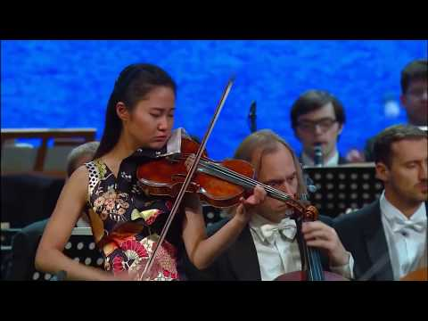 Sayaka Shoji plays Mendelssohn : Violin Concerto in E minor,