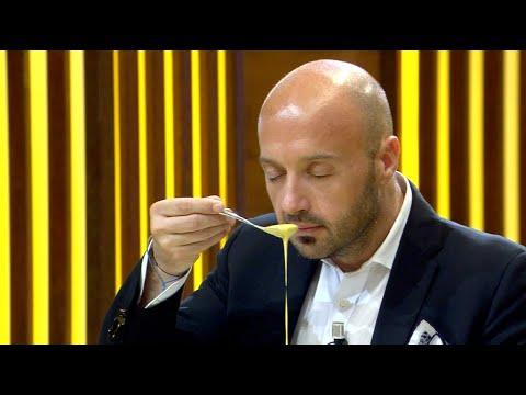 """""""Ti piace l'odore di uova cruda?"""" - Puntata 6   MasterChef Italia 2"""