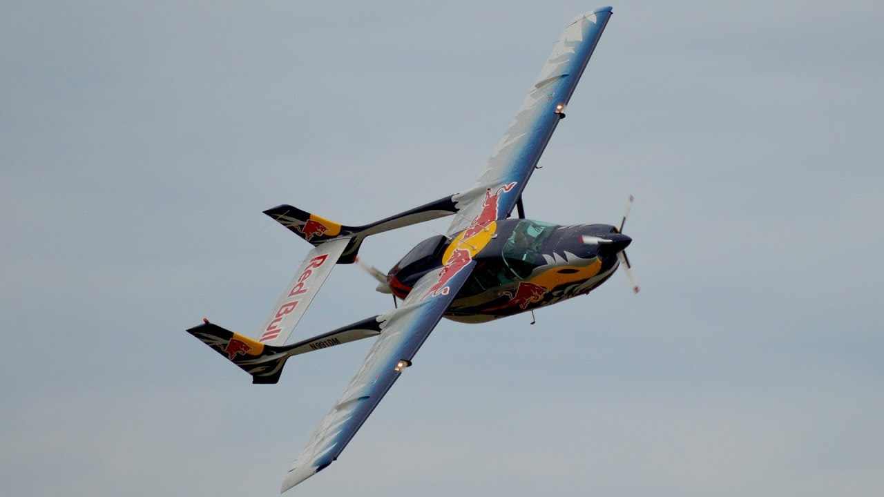 THE FLYING BULLS Cessna 337 *Push Pull* display at Airfield Spitzerberg