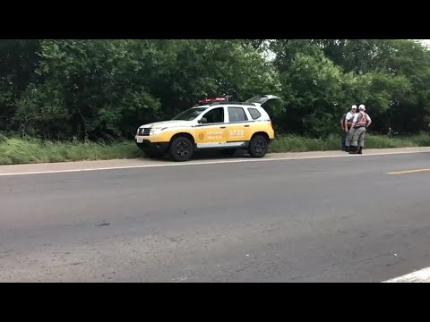 Carreta e caminhão se envolvem em acidente na BR-116 em Camaquã