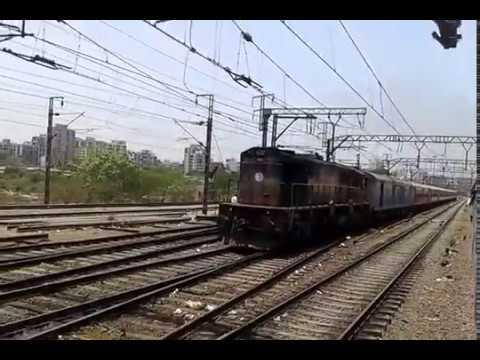Emu V/S Manduadih Express AC Special Run Between Thane to Kalva Crossing