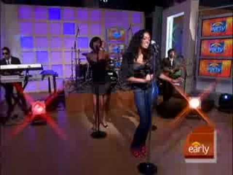 Solange Sings 'I Decided'
