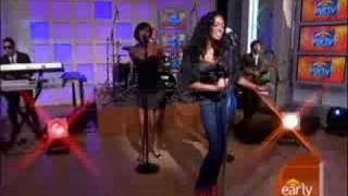 Solange Sings 'I Decided' thumbnail