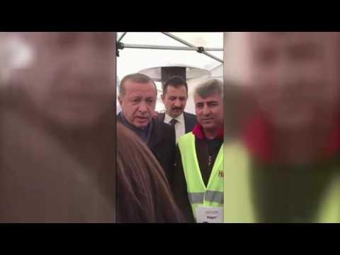 """Recep Tayyip Erdoğan, CHP'nin Hayır Çadırında """"Evet""""i Anlattı"""