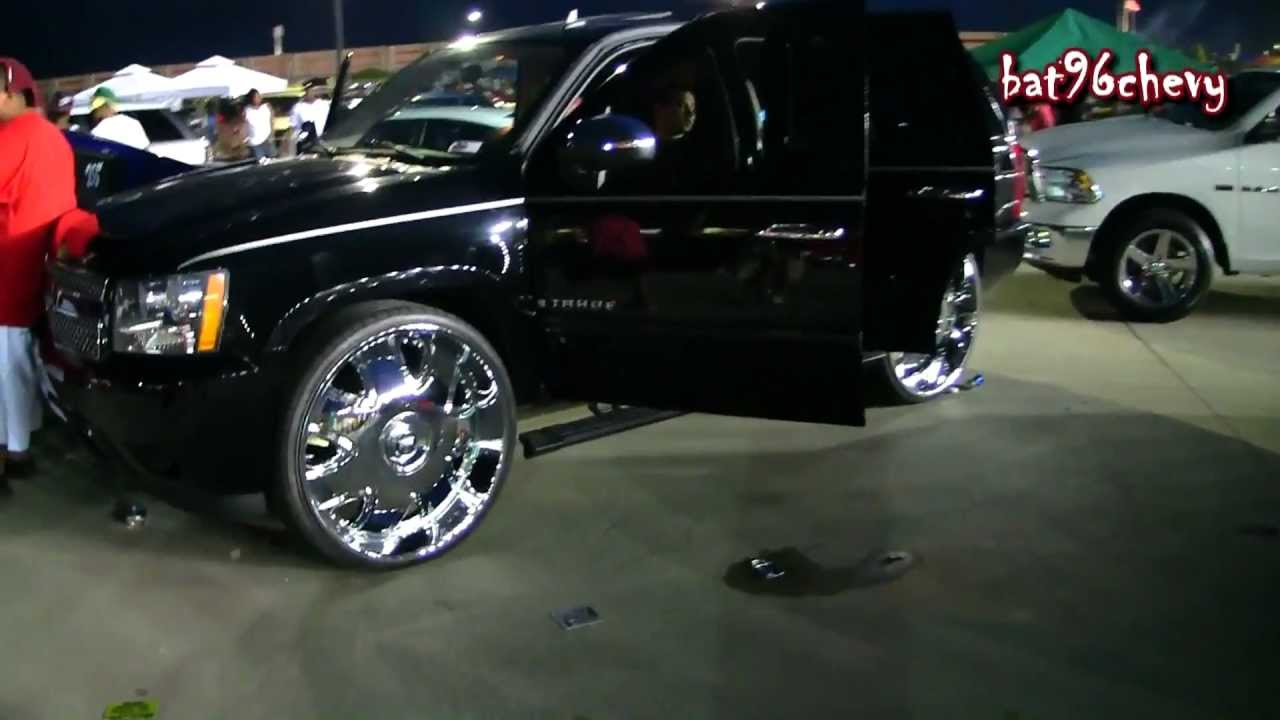 "Atlanta Truck Center >> BLACK Chevy Tahoe on 30"" DUB Banditos w/ Floating Center Cap - 1080p HD - YouTube"