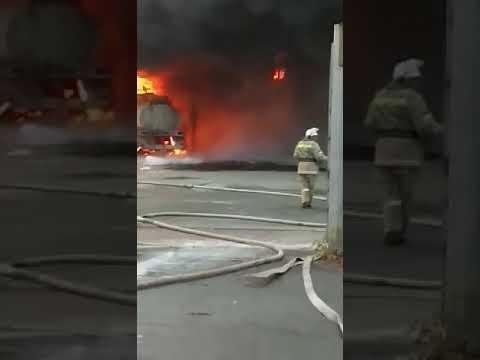 Пожар в Челябинске! Загорелся бензовоз. 19.10.2018