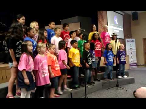 eXpress Arts Kids Choir-We Can Make A Difference