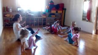 Занятия хореографией в детском саду(, 2014-09-18T20:03:14.000Z)