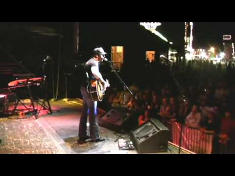 Trent Tomlinson - That's How It Still Oughta Be - Live Video