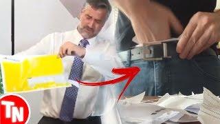 Deputado abre envelope que Danilo Gentili colocou dentro da cueca