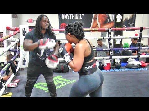 Unbeaten Thick Boxer Latondria Jones Padwork Inside The Mayweather Boxing Club