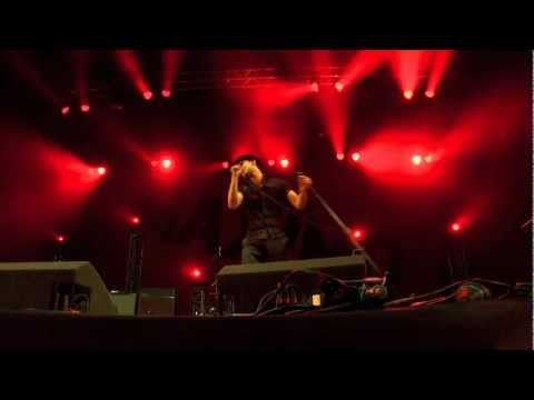Maximo Park // Apply Some Pressure // Kendal Calling 2012