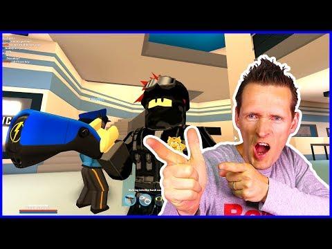 Police Officers Chasing Criminals!!! ft. CaptainJack