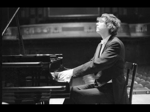 Zoltan Kocsis plays Bartok Piano Concerto no. 3 - live 1985