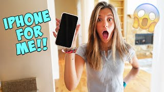 I SKIPPED SCHOOL TO GET THE iPHONE 11!!