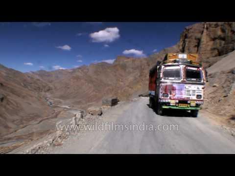 Driving the 21 Gata Loops on Manali-Leh highway