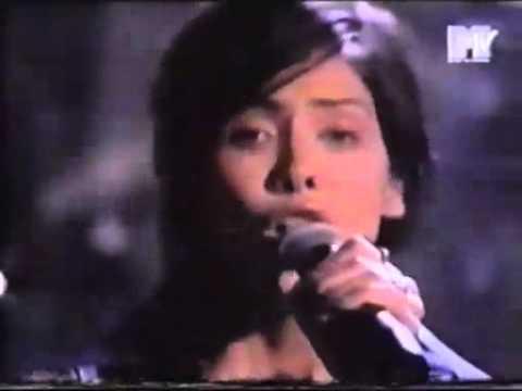 Natalie Imbruglia - Movie Awrds 1998 - Torn