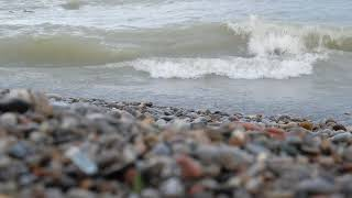 Waves & pebbles on the shores of a great lake - ASMR, meditation, white noise, 4K 1 hour