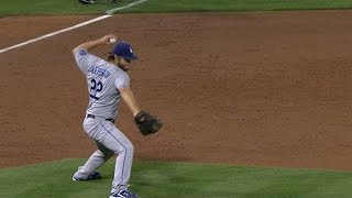8/18/15: After he can't make the play, Clayton Kershaw shows some a...
