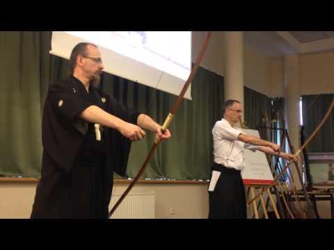 Pokaz Kyudo podczas warszawskiego Pikniku z Kulturą Japońską  Matsuri