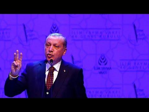 """Erdogan acusa a Merkel de utilizar """"métodos nazis"""""""