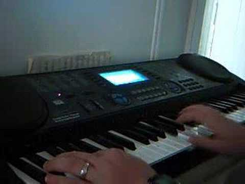 how to play halloween theme on piano