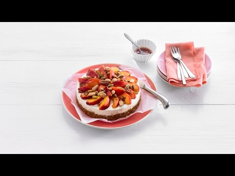 Nectarinecheesecake met dadel-notenbodem – Allerhande