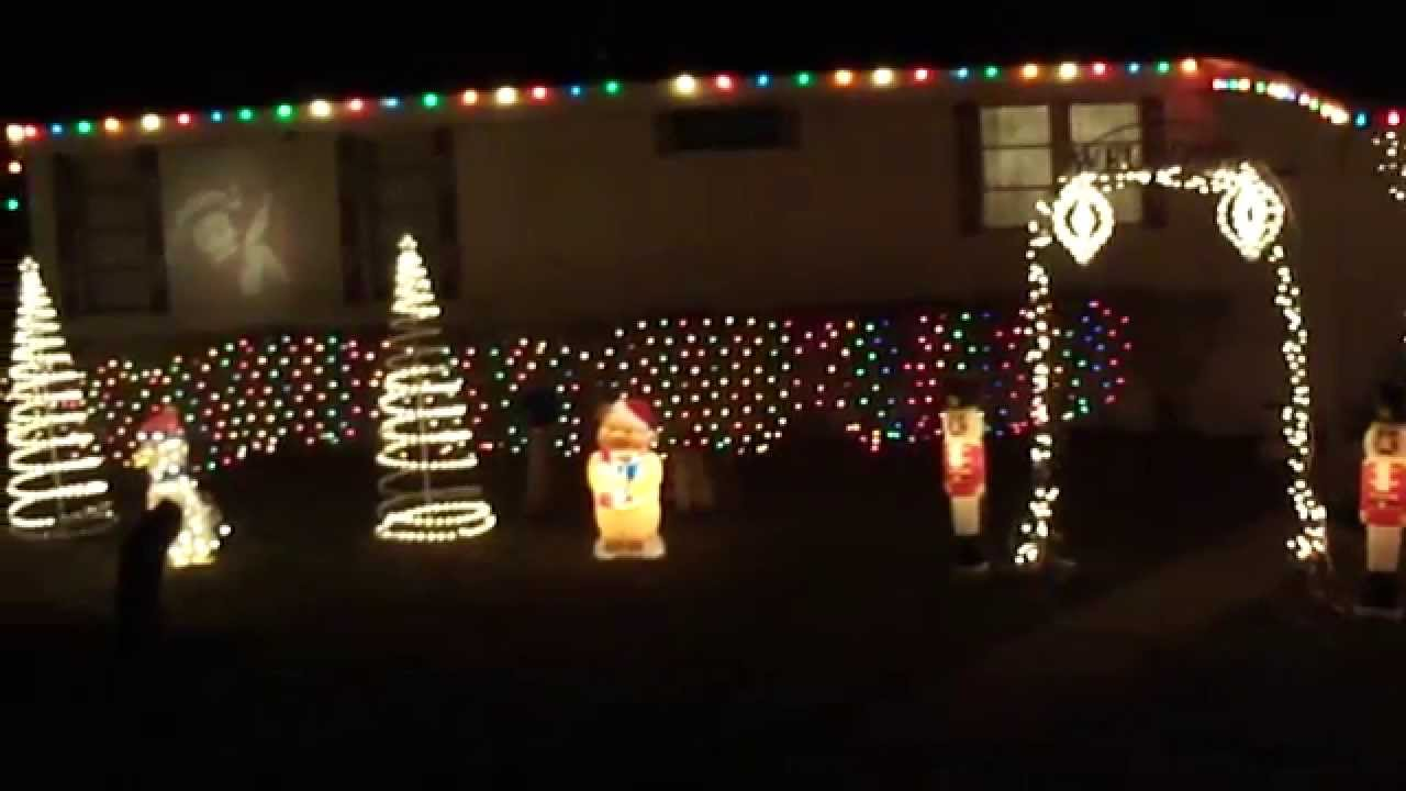 Mobile Home Retro / Vintage Christmas Outside Ornament Display - YouTube
