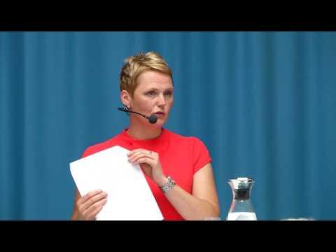 Anna-Karin Hatt om lägre löner eller bättre matchning