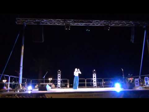 20 08 2015 ALESSIA MAGALDI CANTA A SIDERNO