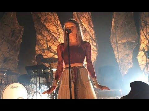 AURORA // Soft Universe (Live @ Oslo) 14.12.17