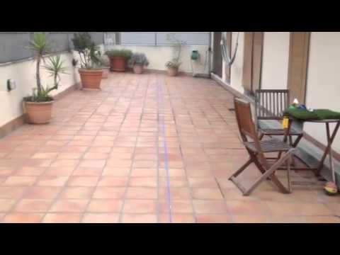 C sped artificial instalaci n en tico de girona youtube - Cesped artificial atico ...