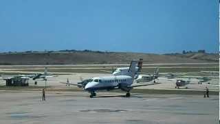 Albatros Embraer EMB-120ER Brasilia YV2814 taxeo y parqueo Aeropuerto Internacional del Caribe