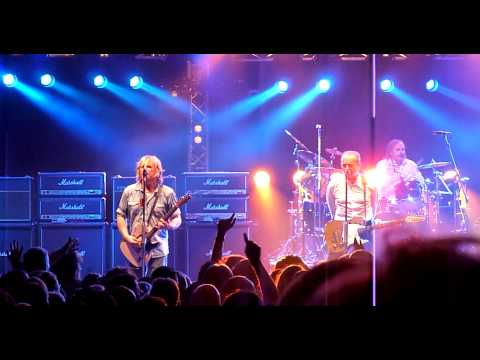 Status Quo-Down Down [Multi Angle and New Sound](Hammersmith 29/03/2014)