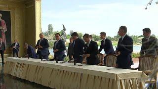 Дмитрий Медведев участвует в заседании межправительственного совета ЕврАзЭС в Киргизии.
