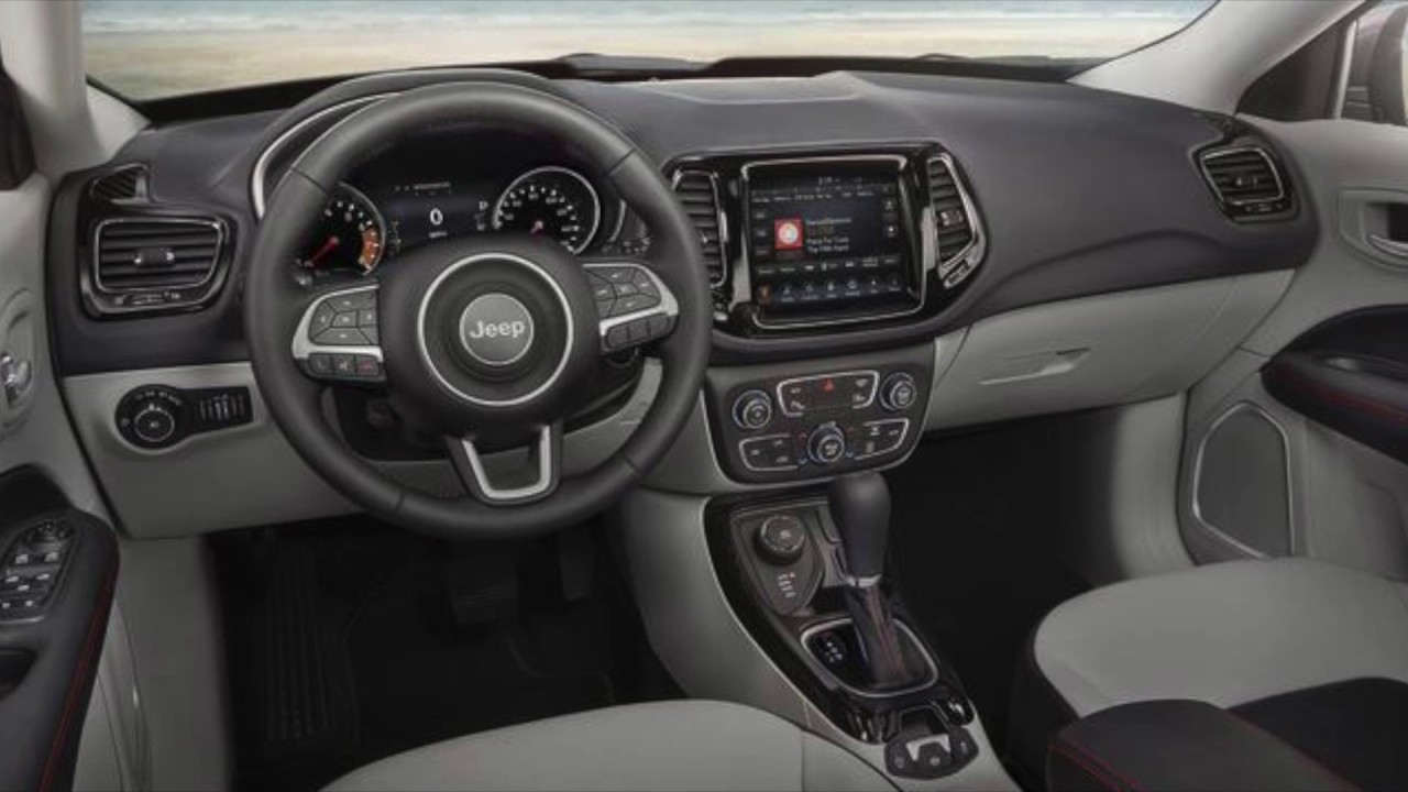 2018 Jeep Compass Interior | Steve Landers Chrysler Dodge ...
