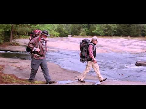 Un paseo por el bosque - Trailer español (HD)